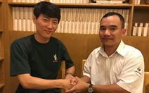 Tài xế taxi TP.HCM trả lại ví cho cảnh sát Hàn Quốc để quên