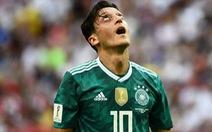 Fan sốc vì Đức thua: Ông trời ngó xuống mà xem, ra về từ vòng bảng!