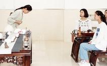 Phụ nữ Trung Quốc luyện công dung ngôn hạnh 'kỷ nguyên Tập Cận Bình'
