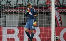Vừa trở lại, Neuer mắc lỗi trong trận Đức thua Áo