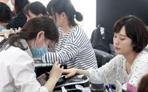 Nở rộ 'cửa hiệu làm đẹp' cho khách Hàn