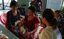 Bé sơ sinh bị gãy xương đòn vai khi sinh ở bệnh viện