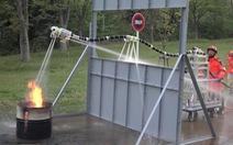 Xuất hiện ống robot cân bằng có thể dập các đám cháy khó tiếp cận