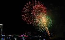 Thụy Điển - Bồ Đào Nha đọ pháo hoa trên bầu trời Đà Nẵng