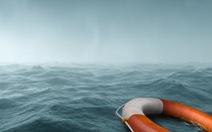 Cứu con ở biển, con sống, cha chết đuối