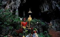 Tâm linh huyền bí trong các hang động ở miền bắc Thái Lan