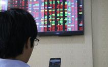 Chứng khoán phục hồi, VN Index vẫn lỡ mốc 900 điểm