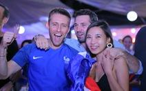 """Sau trận chung kết, người Pháp vui """"nổ trời"""" tại TP.HCM"""