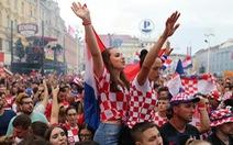 Người Croatia vẫn ăn mừng hoành tráng sau chung kết