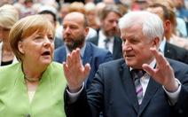 Tấm chăn hẹp của bà Merkel