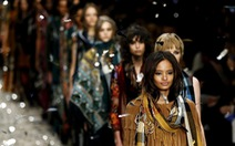 Các thương hiệu thời trang lớn đốt bỏ hàng tồn, không bán rẻ