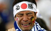 Nhật thua, fan Nhật vừa khóc nức nở lại vừa nhặt rác trên khán đài