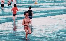 Nhiều người tắm biển Mỹ Khê bị mẩn ngứa bất thường