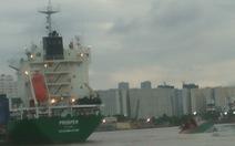 Tàu biển tông sà lan trên sông Sài Gòn, 2 người chết