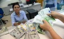 Giá USD bật tăng mạnh