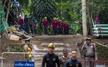 Elon Musk đề xuất cấp tốc chế tàu ngầm giải cứu đội bóng Thái Lan