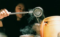 Cà phê vợt có gì khiến bạn trẻ Sài Gòn mê đắm?