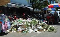 Dân không cho xe chở rác vào bãi, rác ùn ứ khắp TP Quảng Ngãi