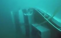 Hình ảnh chiếc tàu bị lật ở Thái Lan nằm sâu dưới đáy biển