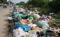 Đường phố Sài Gòn đầy rác công nghiệp