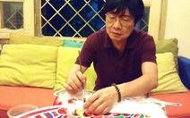 Nghệ sĩ Trịnh Bách phục hồi đèn trung thu xưa