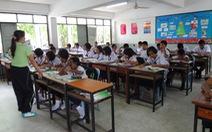 Các nước 'quản' sách giáo khoa ra sao?