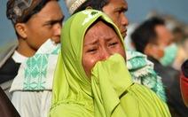 Thảm họa kép: Indonesia  tan hoang