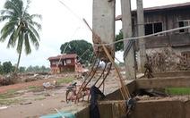 Qua Lào... cứu hộ: Những ngôi làng bị tàn phá