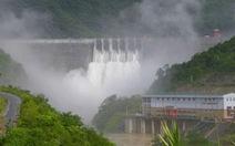 Dân chạy lên núi vì tin vỡ đập thủy điện giả