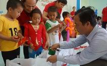 Trao 190 phần quà cho học sinh nghèo vùng huyện biển