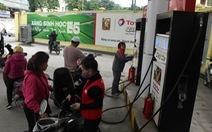 Giá xăng dầu đồng loạt giảm sốc, xăng RON95 giảm hơn 2.000 đồng