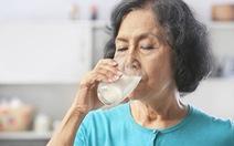 Sữa - Thực phẩm quan trọng đối với người cao tuổi