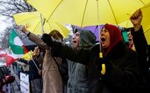 Dân Iran biểu tình bất chấp chính quyền đáp trả cứng rắn