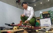 Thu giữ nhiều vũ khí 'nóng' tại cửa hàng tạp hóa
