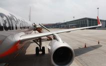 Máy bay hạ cánh khẩn tại Nội Bài vì vấn đề kỹ thuật