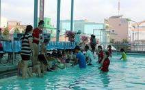 Huấn luyện viên Úc dạy trẻ Việt bơi lội, phòng chống đuối nước