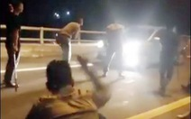 Khởi tố 10 thanh niên  livestream  chặn xe xin đểu trên cao tốc