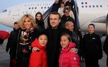 Tổng thống Pháp đem về hàng chục tỉ từ Bắc Kinh