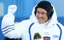 Phi hành gia Nhật xin lỗi vì viết tweet 'xạo'