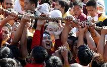 Chen lấn kinh hoàng tại lễ hội Black Nazarene ở Philippines