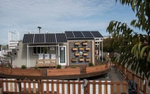 Nhà mini tự xoay dùng điện năng lượng mặt trời