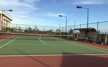 Huy động doanh nghiệp xây sân tennis phục vụ cán bộ xã
