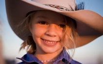 Dân Úc sốc vụ bé gái tự tử vì bị bắt nạt trên mạng