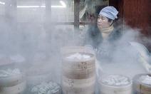 Thưởng thức bánh bao hấp Hàn Quốc