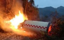 Nổi da gà với mảnh vỡ tên lửa Trung Quốc rơi gần nhà dân