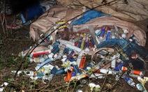 Bắt hai người đổ trộm 10 tấn rác thải công nghiệp