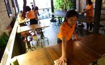 Sinh viên TP.HCM giúp việc nhà làm từ thiện mùa Tết