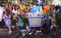 Giữ vệ sinh phố đi bộ Nguyễn Huệ khi có sự kiện