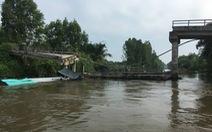 Khẩn trương khắc phục vụ sà lan tông sập cầu Long Hòa B