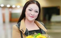 Như Quỳnh đến Hà Nội, gọi người hâm mộ là 'người tình mùa đông'